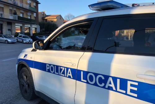 Incidente tra auto e scooter a San Silvestro, centauro all'ospedale di Senigallia
