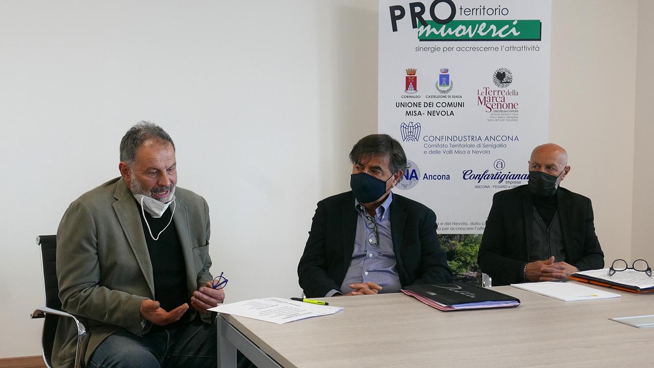 Da sinistra: Egidio Muscellini, presidente Confartigianato; Renato Mandolini, presidente comitato Senigallia di Confindustria Ancona; Paolo Carli, presidente Cna Senigallia