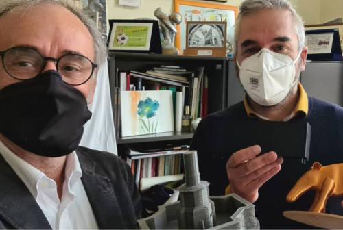 """Fabriano, """"Tapiro d'oro"""" di Fratelli d'Italia al sindaco per i dissuasori. Santarelli sta al gioco"""
