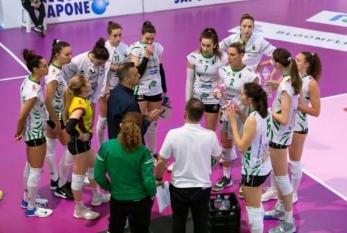 Volley, CBF Balducci Macerata e Megabox Vallefoglia sconfitte al tie-break in trasferta