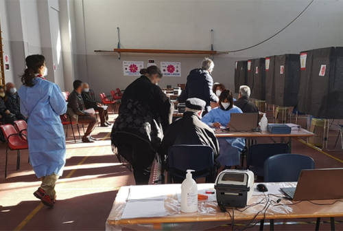 Vaccini, superata quota 75 mila dosi somministrate nell'hub di Senigallia