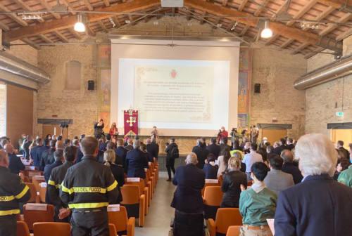 Ciriachini, premiazioni alla Mole. Emozione per i sanitari: «A loro l'eterna gratitudine di Ancona»