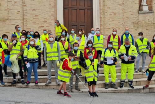 Passeggiata eco, cittadini puliscono le strade ad Agugliano e Polverigi