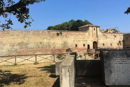 Fano, pestaggio del branco alla Rocca Malatestiana: l'ira delle forze di minoranza