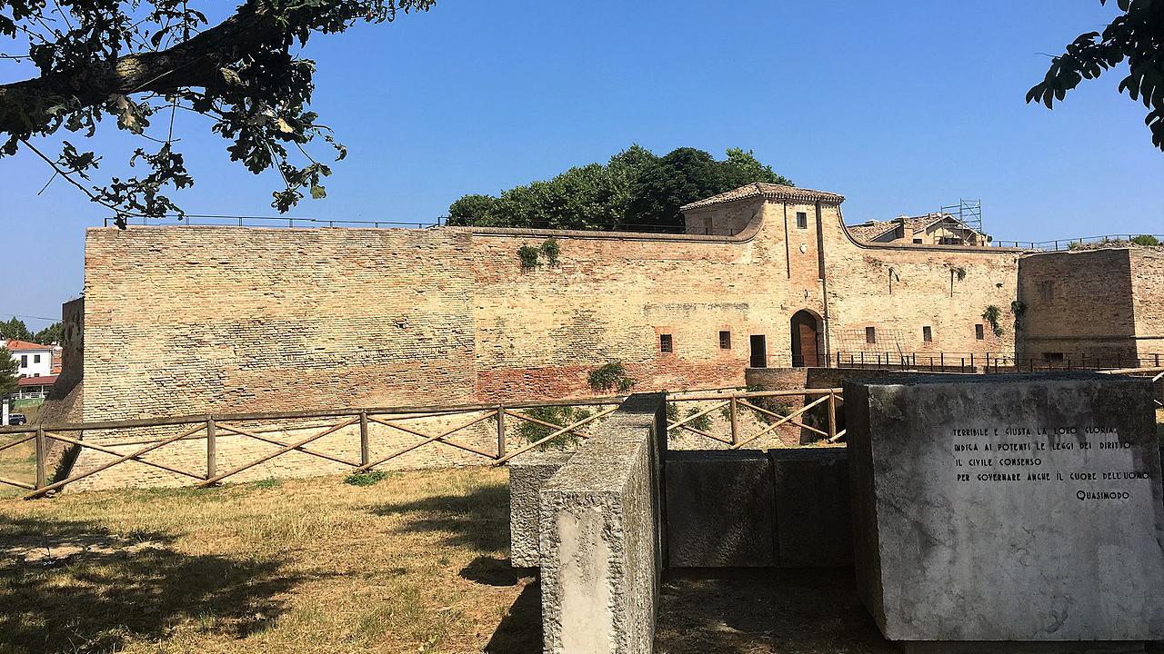La Rocca Malatestiana di Fano (fonte wikipedia)