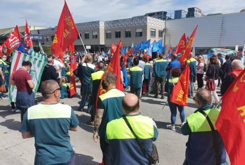 Fabriano, vertenza Elica: la voce dei lavoratori e dei politici intervenuti alla manifestazione