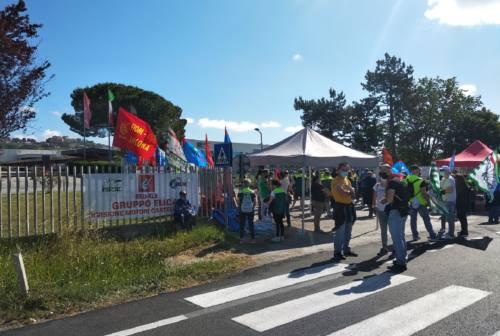 Vertenza Elica, i dipendenti manifestano ai cancelli della Fime di Castelfidardo