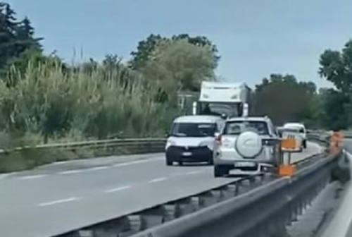 Morrovalle, auto contromano in superstrada si schianta contro un furgone