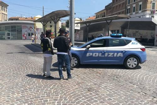 Ancona, igiene precaria: chiuso bar in piazza Bassi