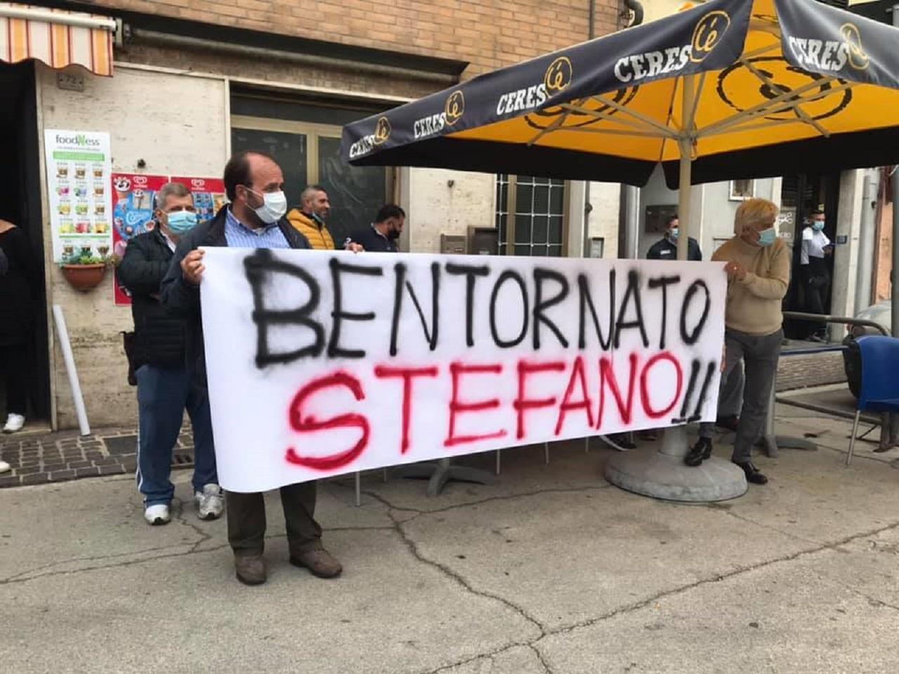 L'arrivo di Stefano Simoncini a Torrette dopo il ricovero