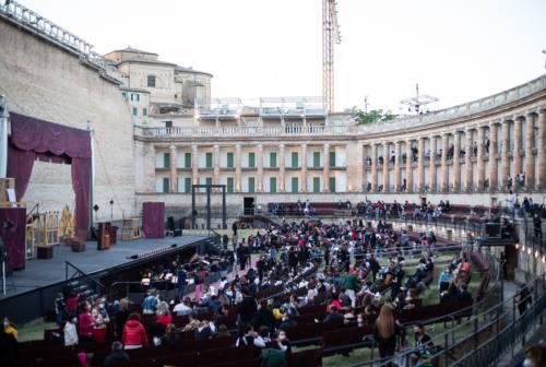 Macerata Opera Festival con Neri Marcorè, Arturo Brachetti ed Enrico Melozzi. La stagione del centenario si arricchisce di stelle