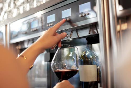 Gabicce, alcolici a minorenni: gestore di un bar denunciato