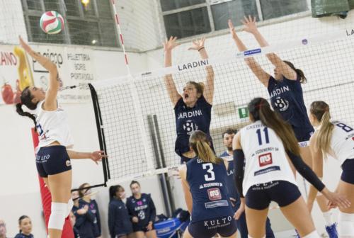Volley, playoff: la Clementina 2020 ha un piede in finale