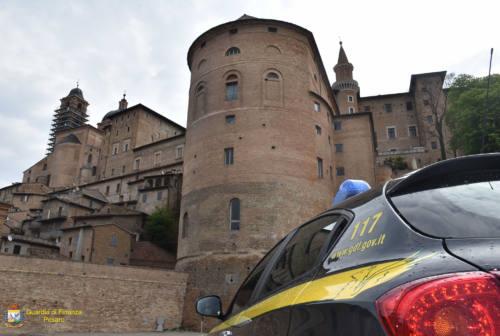 Urbino, un patto tra Comune e Guardia di finanza contro i furbetti degli aiuti