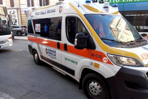 Ancona, rubano un tablet su un'ambulanza. Caporalini (Croce Gialla): «Siamo amareggiati»