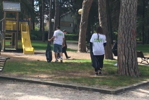 JesiClean, giovani impegnati a pulire la loro città