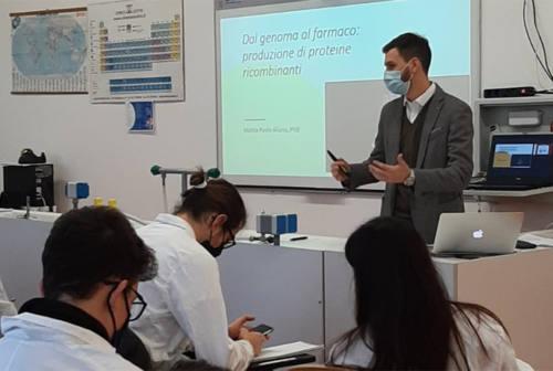 I vaccini anti covid si studiano a scuola: ecco cosa si fa all'istituto Corinaldesi-Padovano di Senigallia