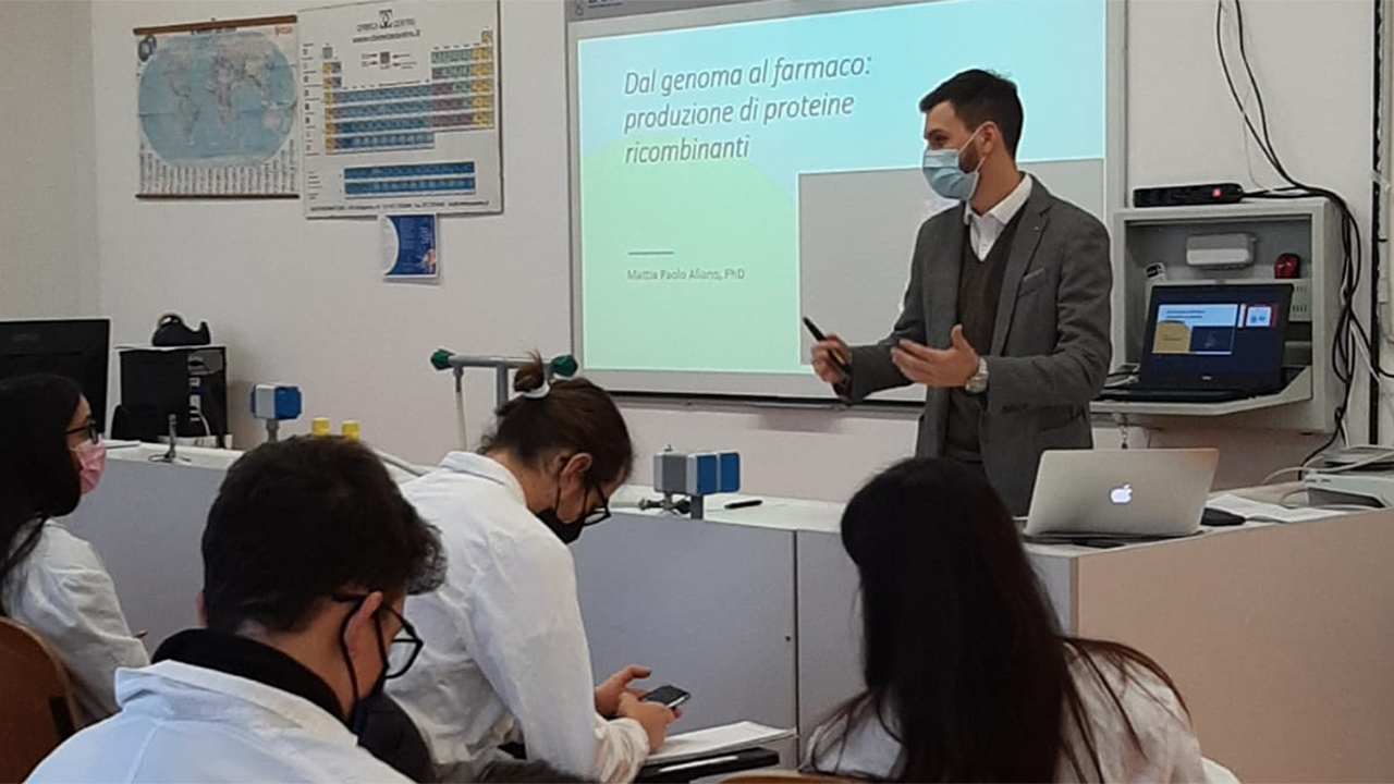 All'istituto d'istruzione superiore Corinaldesi-Padovano di Senigallia si studiano le proteine ricombinanti usate nei vaccini anti covid