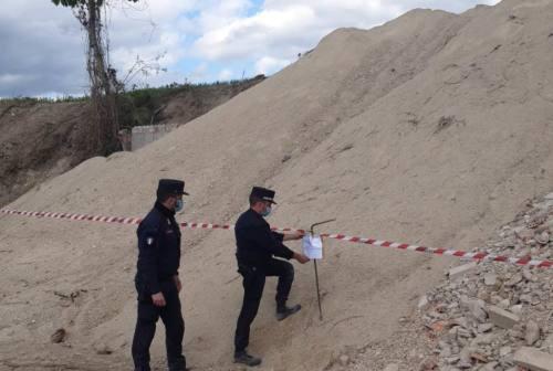 Rifiuti smaltiti illegalmente ad Arcevia, una denuncia