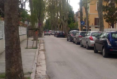 Cade sul marciapiede, Comune di Senigallia condannato al risarcimento