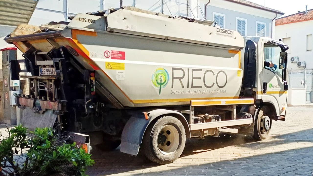 Rieco, Senigallia, raccolta differenziata, rifiuti, tari