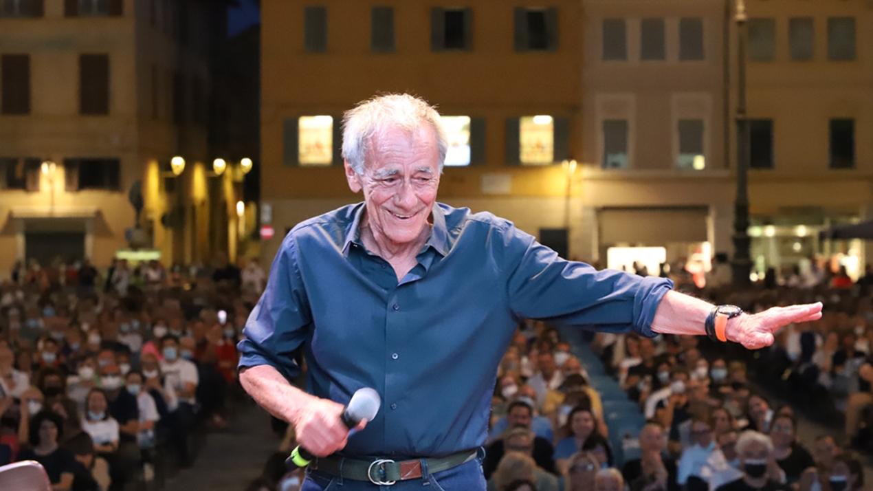 Roberto Vecchioni_phGiacomoGrandi_B