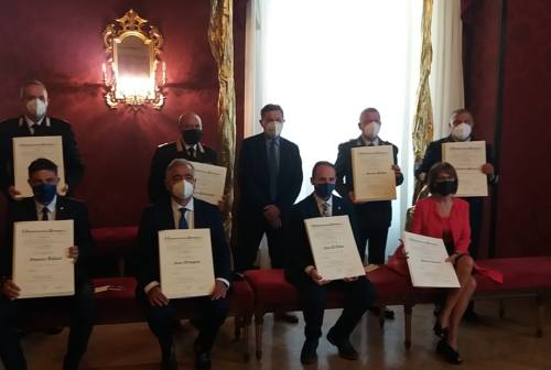 Ascoli, consegnati i Diplomi ai nuovi Cavalieri: il Prefetto li ringrazia a nome della comunità
