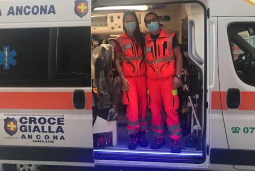 Ancona, bimbo nasce in ambulanza. La volontaria della Croce Gialla: «Un'emozione da piangere»