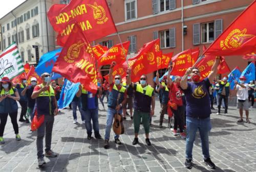 Vertenza Elica: in circa 200 manifestano ad Ancona. Consegnato documento al Prefetto Pellos