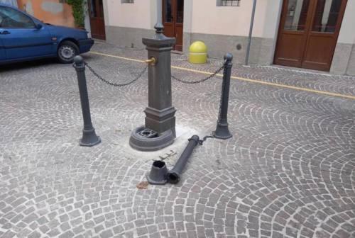Cerreto d'Esi, vandali in azione contro la fontanella di piazza Ciccardini: la denuncia del sindaco
