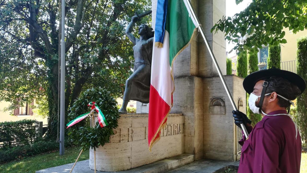 Il monumento a Corinaldo dedicato al Milite Ignoto