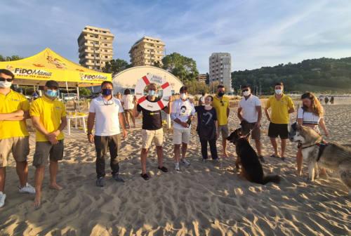 Pesaro, spiaggia per i cani: inaugurata Abbaia Flaminia