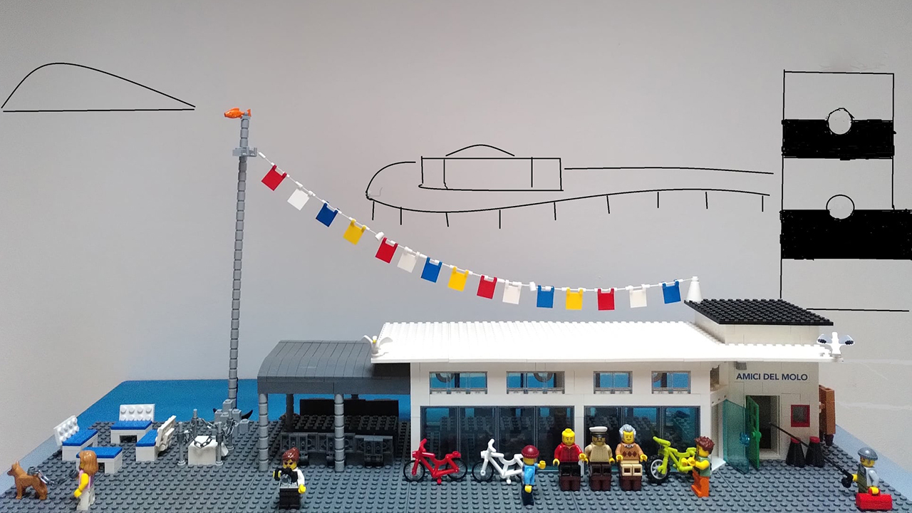 Senigallia, la capannina degli Amici del Molo diventa un modellino Lego grazie all'idea del vicepresidente Simone Paolini