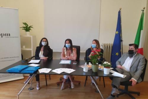 Trentennale Ordine degli Psicologi Marche, Marilungo: «È importante che l'organico del pubblico sia arricchito»