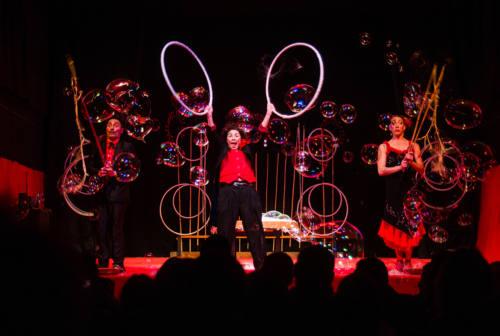 Fabriano: La magia delle bolle di sapone al Teatro Gentile
