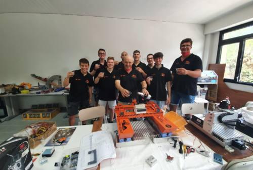 """I ragazzi dell'IIS Marconi Pieralisi di Jesi conquistano le Olimpiadi della Robotica con """"Dafne Boat"""""""