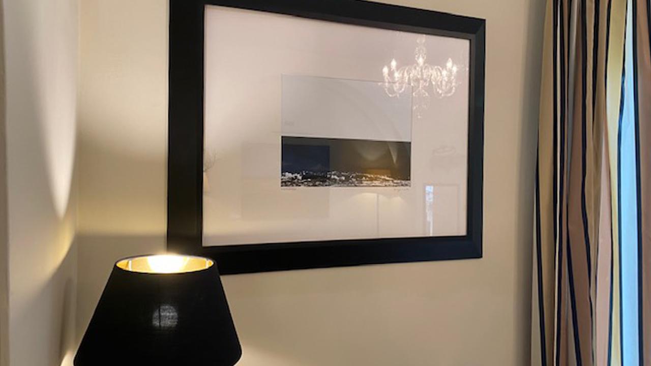 """Una delle fotografie di Giovanni Ghiandoni esposte nella mostra """"Minimalemare"""" all'hotel Terrazza Marconi di Senigallia"""