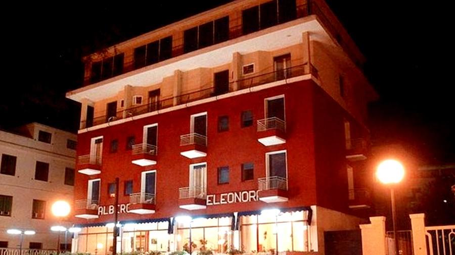 L'hotel Eleonora sul lungomare Marconi di Senigallia. Foto tratta da Feelsenigallia.it