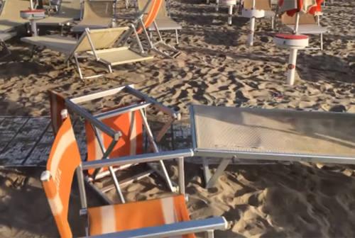 Senigallia, ubriachi in spiaggia: la polizia interviene prima dei danni agli stabilimenti balneari