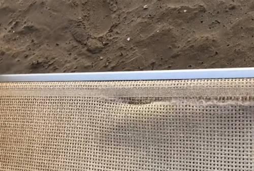 Atti vandalici in spiaggia sul lungomare Alighieri di Senigallia