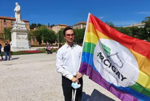Omofobia, stop al Ddl Zan in Senato. Arcigay Ancona: «Hanno vinto i violenti, i picchiatori»