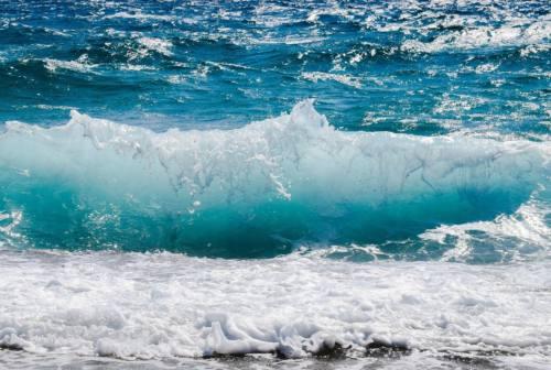 """Marche: 155 km di costa """"eccellente"""". Criticità alla foce del Musone e del Chienti. I dati Arpam"""