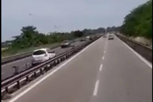 Montecosaro, auto contromano: panico in superstrada