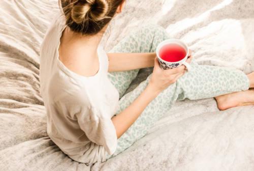 Dormire separati, è sempre un segno di crisi della coppia? I benefici secondo la psicologa