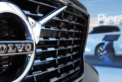 Volvo XC 40 Recharge: fascino, sicurezza e prestazioni in un suv compatto – VIDEO