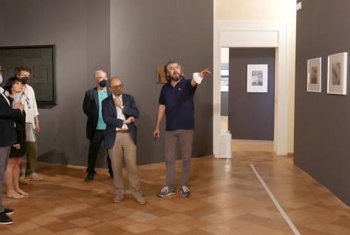 Senigallia celebra con una mostra l'amicizia tra i due artisti Mario Giacomelli e Alberto Burri