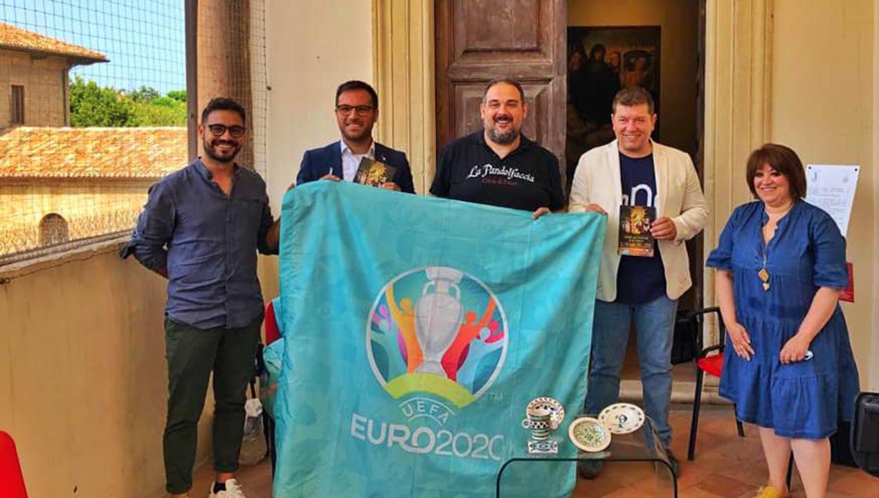 Danilo Filipponi Tornato da Roma con la bandiera di UEFA EURO 20