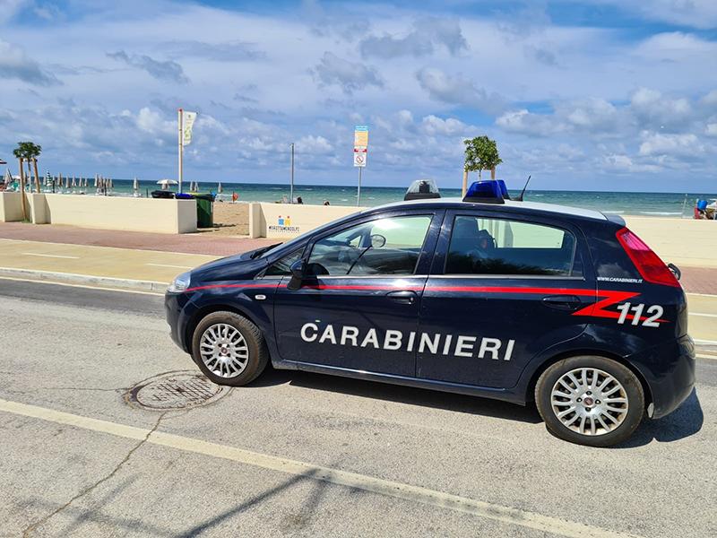 Carabinieri a Marotta