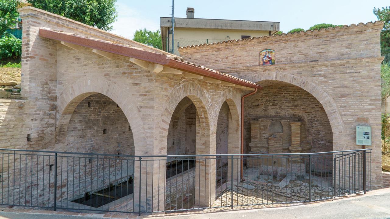 Recuperate dal degrado le antiche fonti e il lavatoio pubblico a Serra de' Conti