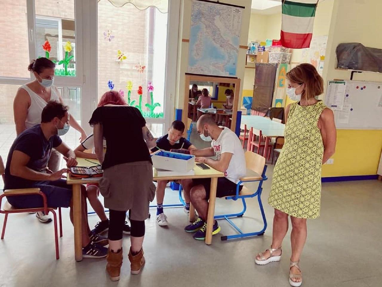 L'assessore Paola Andreoni in visita ai centri estivi di Osimo